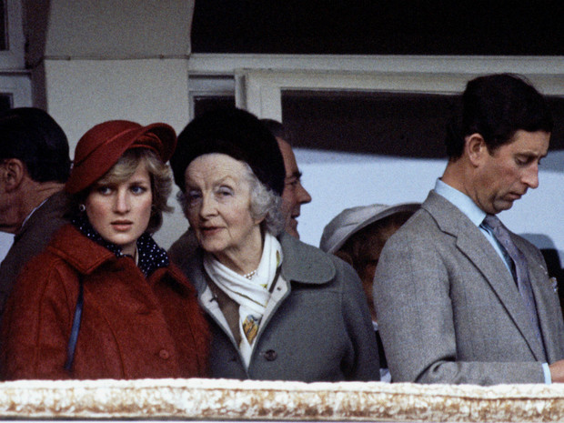Фото №2 - Бабушка принцессы Дианы: как леди Фермой «устроила» брак внучки и принца, и почему пожалела об этом позже