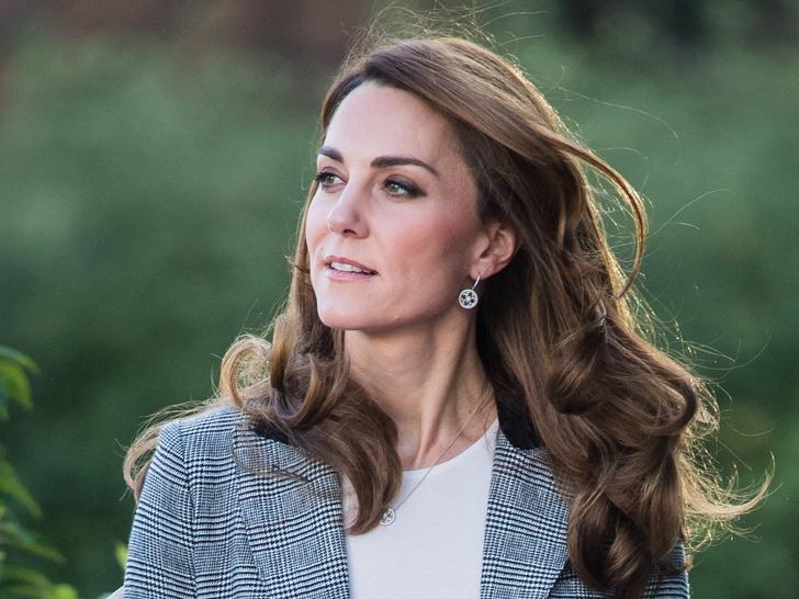 Фото №3 - Меган влюблена в Уильяма, а Кейт беременна и больна: 5 новых (и очень странных) слухов о Виндзорах