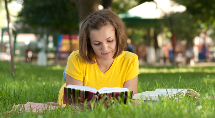 «Готовь сани летом»: почему не стоит забрасывать образование детей в каникулы