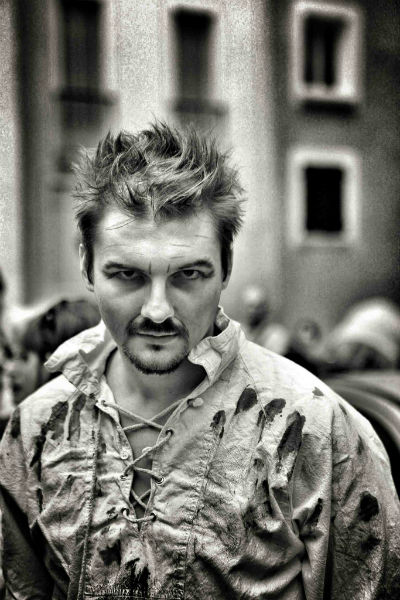 Фото №18 - Играя, сердце разбивают: двенадцать омских актеров-красавцев. Голосуем!