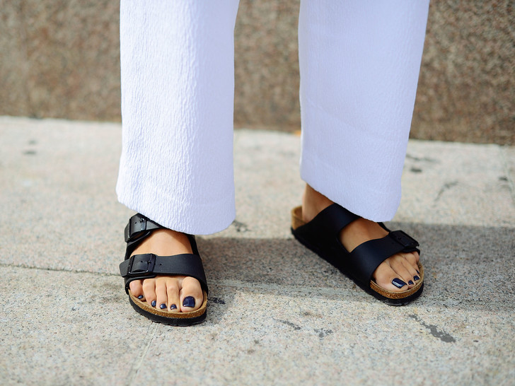 Фото №15 - Идеальный гардероб: 20 вещей, которые никогда не выйдут из моды