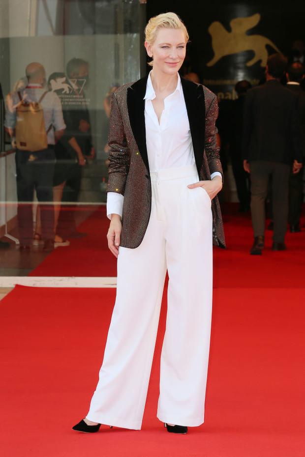 Фото №6 - Нарушая запреты: все образы Кейт Бланшетт на Венецианском кинофестивале