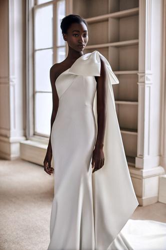 Фото №11 - От классики до экспериментов: 6 главных трендов свадебной моды в 2021 году