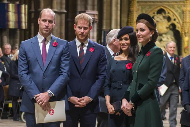 Фото №4 - «Мы не расистская семья»: принц Уильям открестился от обвинений Гарри и Меган