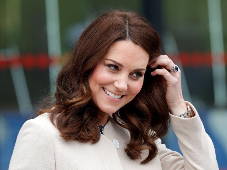 Фото №1 - Зачем герцогине Кейт второе обручальное кольцо
