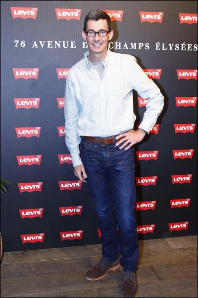 Фото №1 - Директор Levi's признался, что 10 лет не стирает свои джинсы
