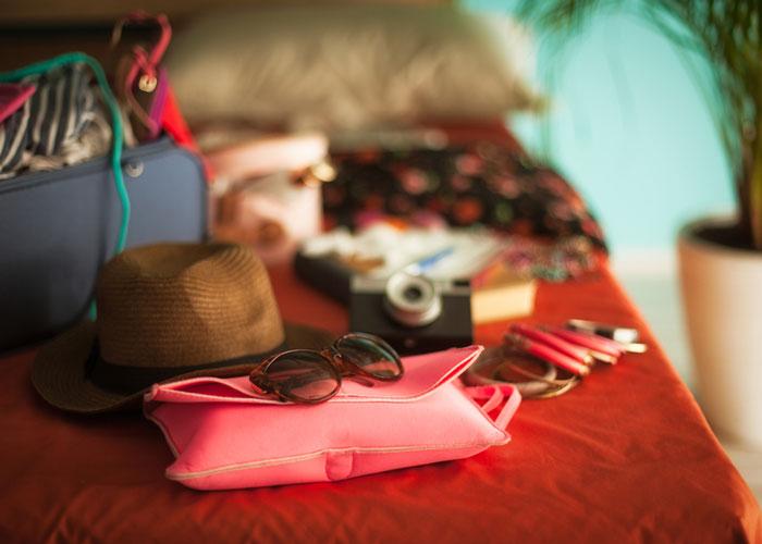 Фото №2 - Летняя косметика для отдыха и путешествий
