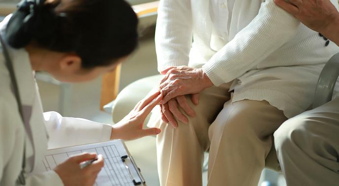 Болят колени: правила восстановления сустава