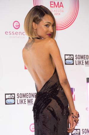 Фото №14 - Премия MTV EMA: лучшие звездные образы за всю историю