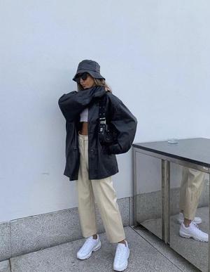 Фото №3 - Одежда в стиле 90х: что купить, чтобы быть в тренде в 2021 году