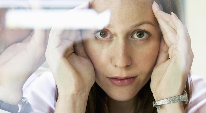 Как мозг нас обманывает: 8 защитных механизмов психики