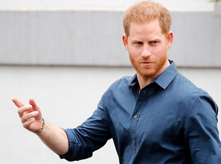 Фото №1 - Важное событие, которое ждет королевскую семью летом (и почему Гарри может не появиться на нем)