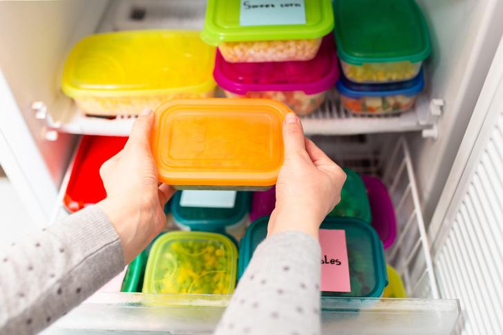 Фото №1 - Правила заморозки: продукты, которые хранятся в холодильнике месяцами