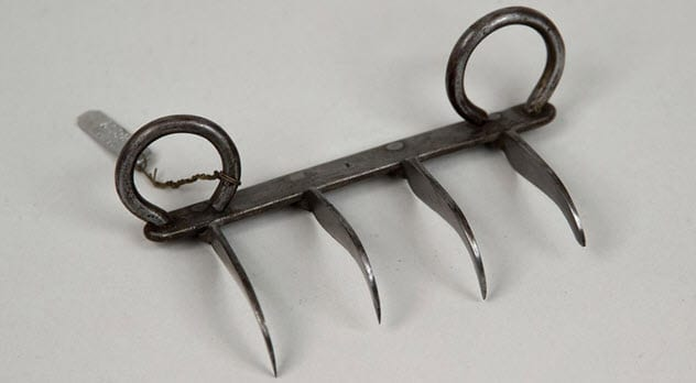 Фото №2 - 7 необычных видов древнего оружия, о которых ты, скорее всего, даже не слышал