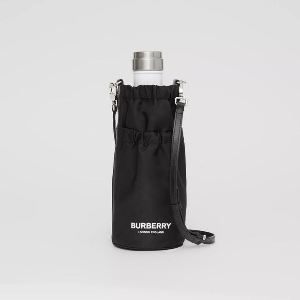 Фото №8 - Фэшн-гидратация: 15 бутылок и сумок для них, которые захочется носить каждый день