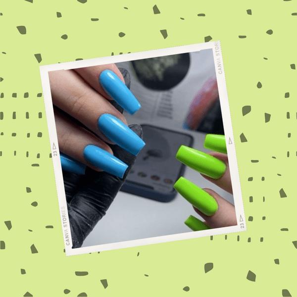 Фото №1 - Добавь красок в лето: идея двухцветного маникюра от Дианы Астер