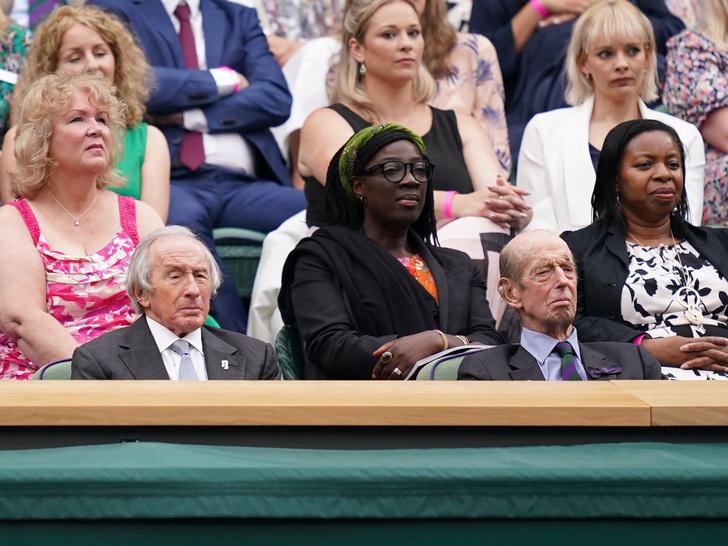 Фото №18 - Бекхэм с девушкой, кузен Королевы и другие знаменитости на открытии Уимблдона 2021