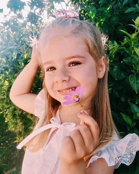 Из-за справки о судимости Юлия Савичева год не может увидеть 4-летнюю дочь