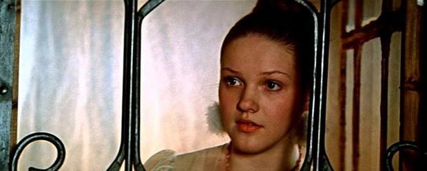 Фото №11 - Из принцесс в королевны: как менялась внешность героинь советских фильмов-сказок