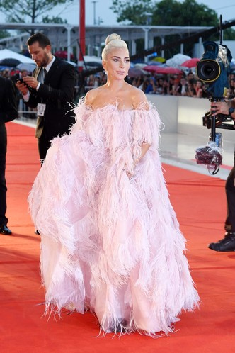 Фото №37 - Лучшие звездные образы за всю историю Венецианского кинофестиваля