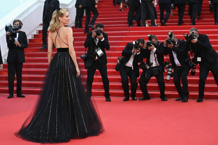 Фото №8 - Золушка 2.0: Диана Крюгер в откровенном и одновременно романтичном платье Armani