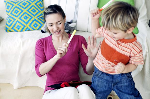 Фото №2 - Как отучить ребенка кусать маму и драться: советы психолога