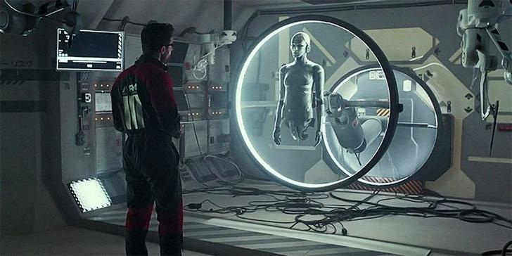 Фото №1 - 12 лучших научно-фантастических фильмов 2020 года