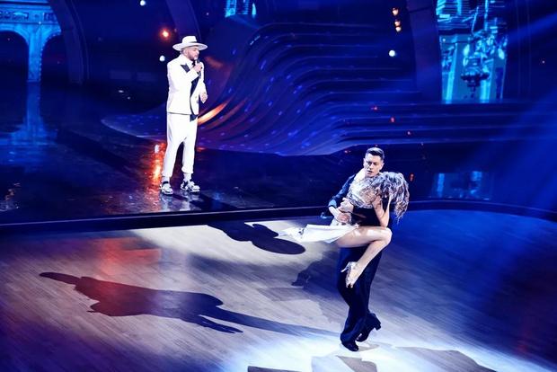 Фото №5 - Лазарев заплакал, Дава поведал о предательстве: в полуфинале шоу «Танцы со звездами» участники рассказали свои истории любви