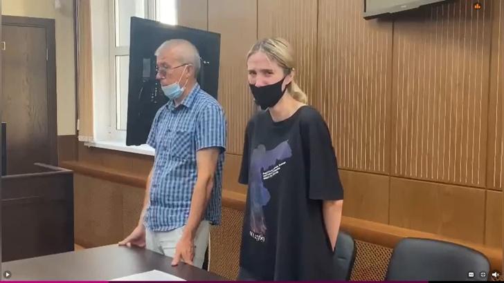Фото №5 - «С нашей девочкой все будет хорошо»: «мать» Валерии Башкировой, сбившей троих детей, пообещала освободить дочь