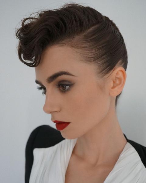 Фото №2 - Красная помада и стрелки: элегантный макияж в стиле ретро от Лили Коллинз