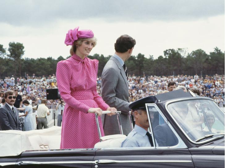 Фото №5 - 10 платьев принцессы Дианы, которые вошли в историю моды и изменили ее