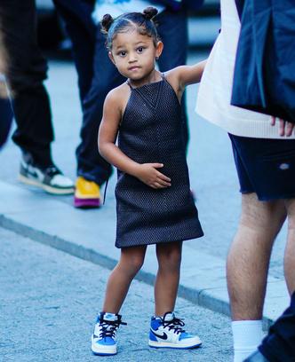 Фото №8 - Модные с пеленок: как звезды одевают своих детей