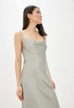 Фото №7 - Что носить: длинные летние платья 2021