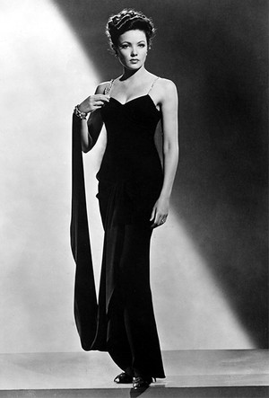 Фото №9 - «Секретарь стиля» Олег Кассини: как создать гардероб для Жаклин Кеннеди и влюбить в себя Грейс Келли