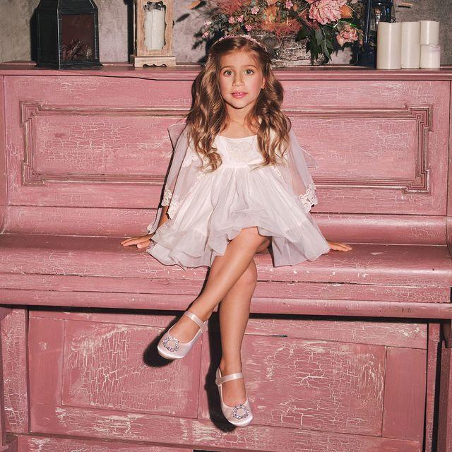 Фото №1 - Mercedes De Alba представила коллекцию для детей на Mercedes-Benz Fashion Week Russia