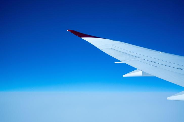 Фото №1 - Почему в летящем самолете кажется, что он движется очень медленно?