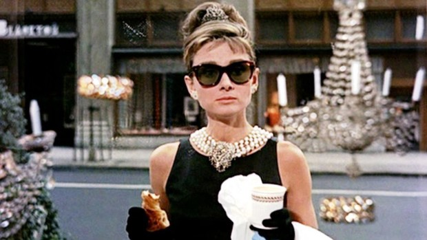 Фото №2 - Завтрак у Тиффани: про Одри Хепберн снимут биографический сериал