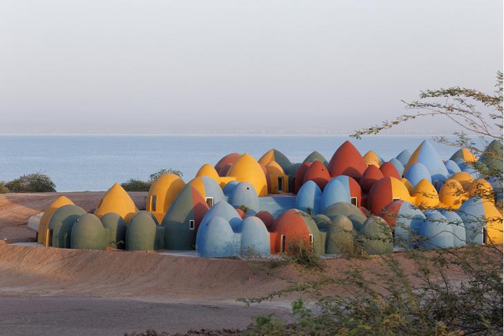 Фото №1 - Разноцветная деревня в Иране