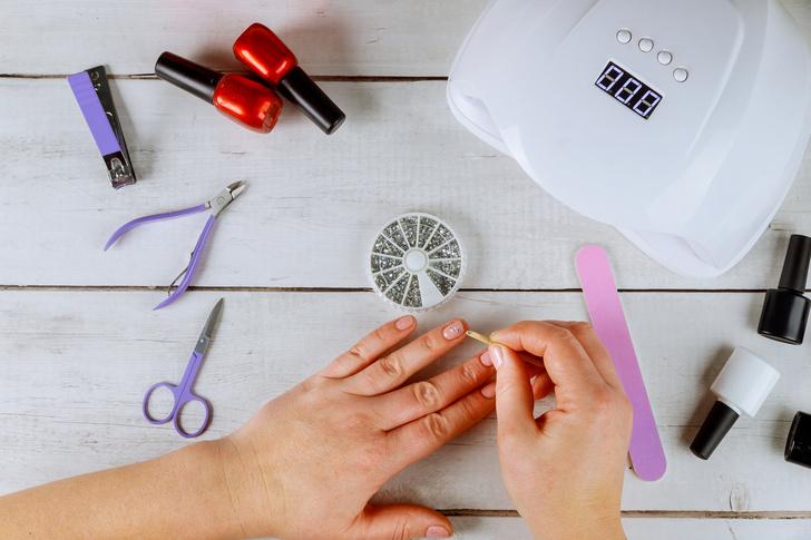 Фото №1 - Маникюр нитью: делаем оригинальный дизайн ногтей