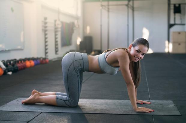 Фото №3 - Убираем «ушки» на бедрах: 5 эффективных упражнений