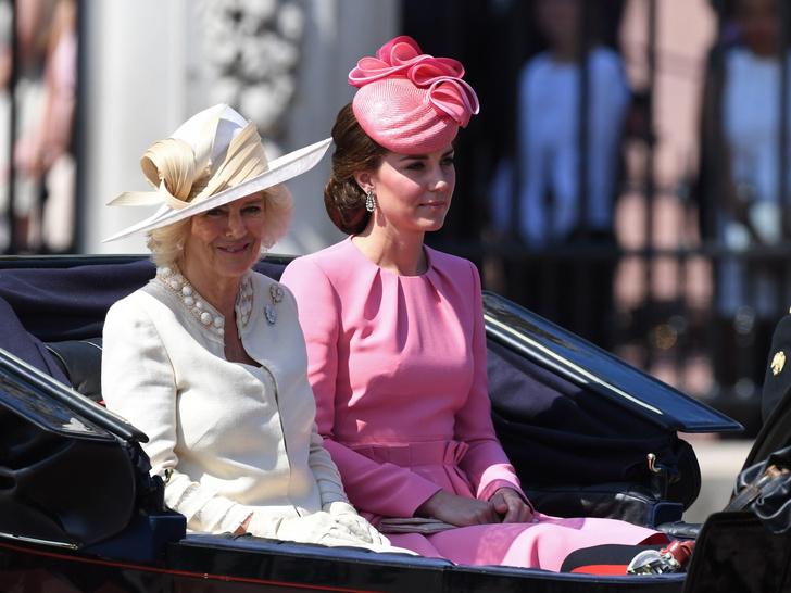 Фото №44 - Одним цветом: как королевские особы носят монохромные образы— 30 вдохновляющих примеров