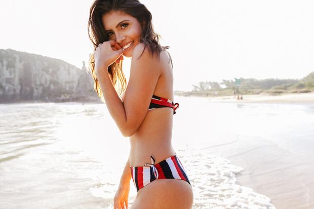 Фото №2 - Идеальный макияж на пляж и в бассейн: 6 простых советов