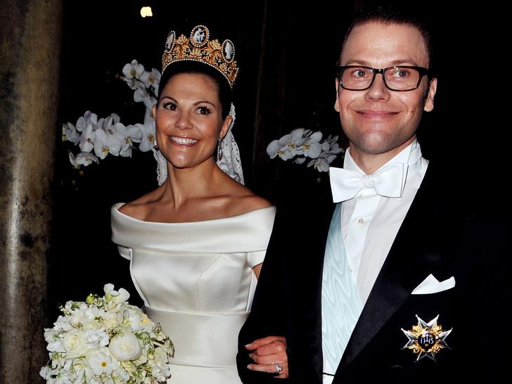 Фото №11 - От макияжа до прически: секреты красоты королевских невест