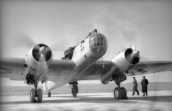 Фото №1 - Как первые советские авиарекордсменки 10 дней выживали в тайге