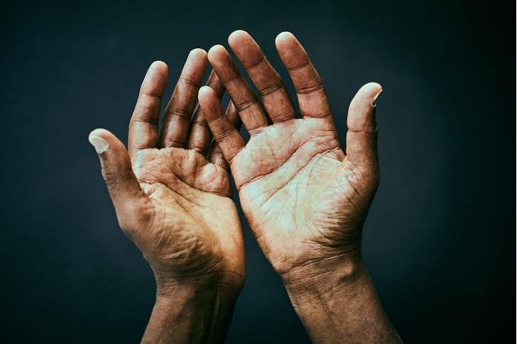 Фото №1 - Почему правые рука и ступня больше левых?