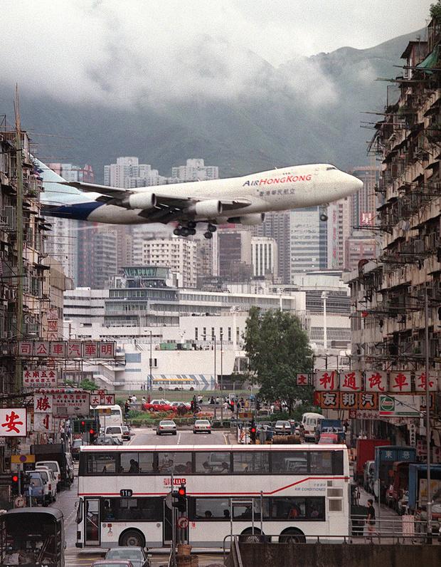 Фото №4 - История Кайтака— самого опасного аэропорта в мире