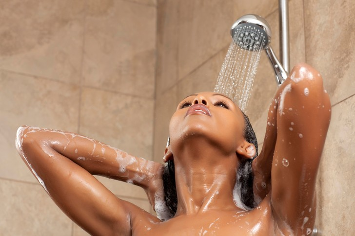 Фото №5 - Как часто можно (и нужно) мыть голову летом
