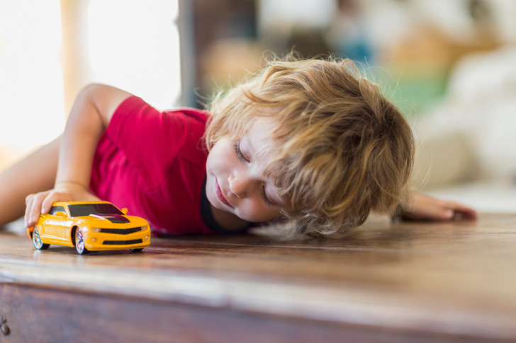 игры и игрушки для мальчика