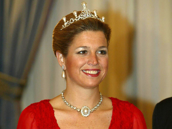 Фото №8 - Самые роскошные и любимые тиары королевы Максимы