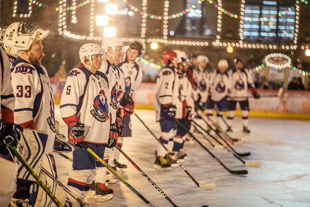 Фото №1 - Звездный гала-матч по хоккею на Красной площади при поддержке GetJet
